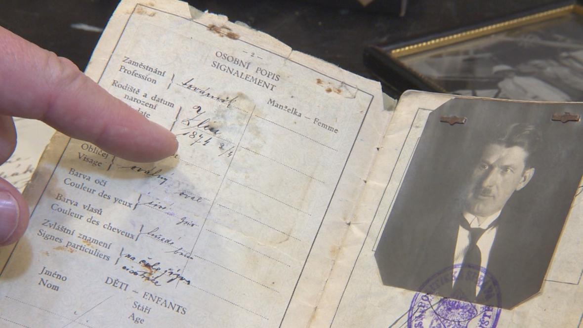 Cestovní pas Tomáše Bati s chybným datem narození