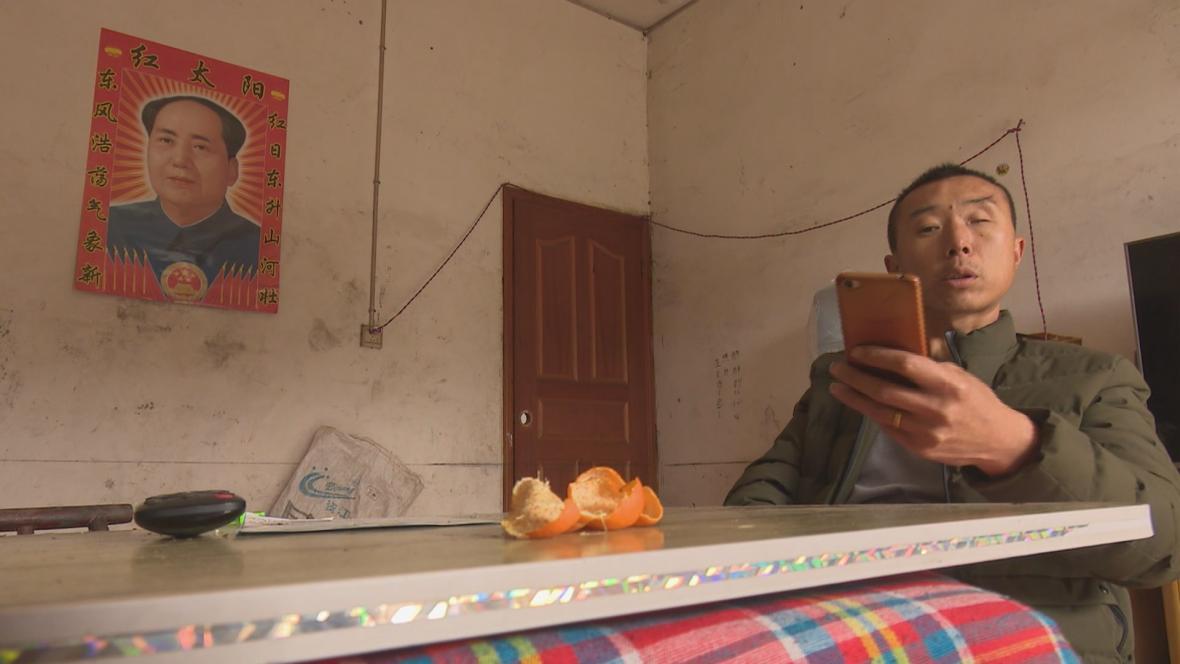 Rodiny obětí čínského boomu trpí dodnes