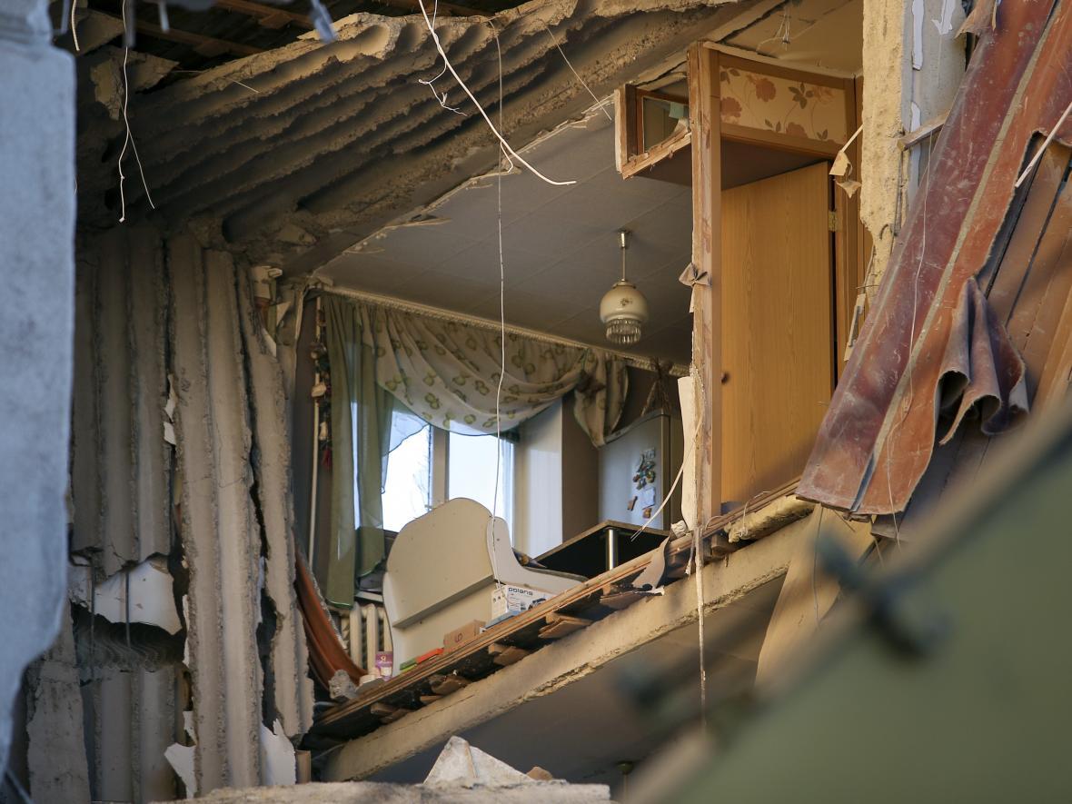 Pohled do jednoho z bytů zničeného domu