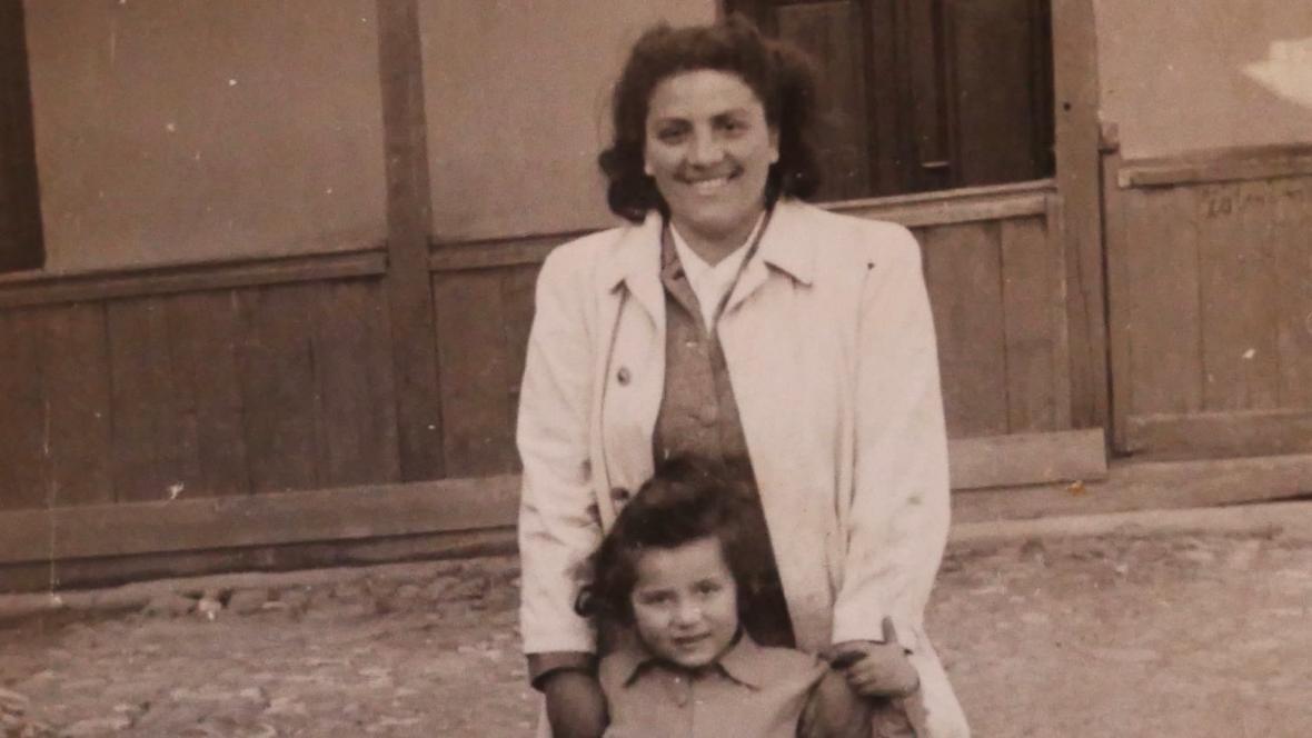 Jolana s maminkou