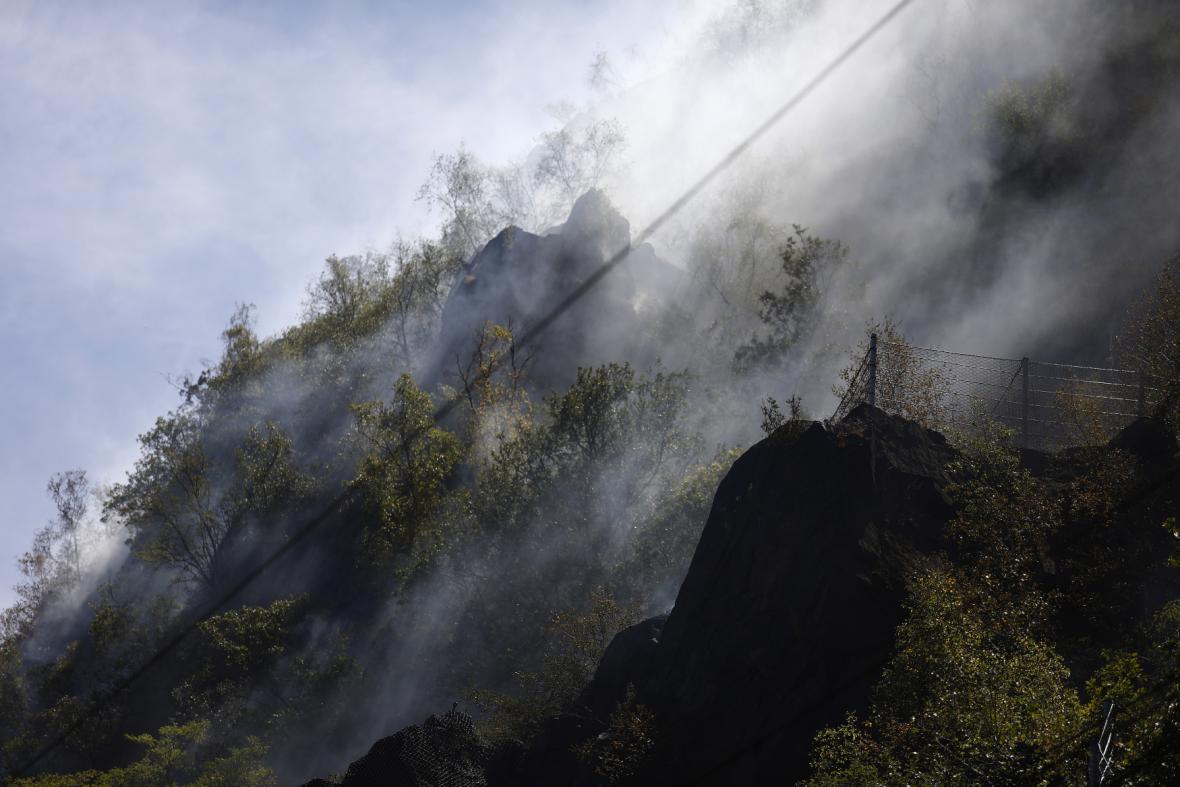 Požár u trati u Lovosic