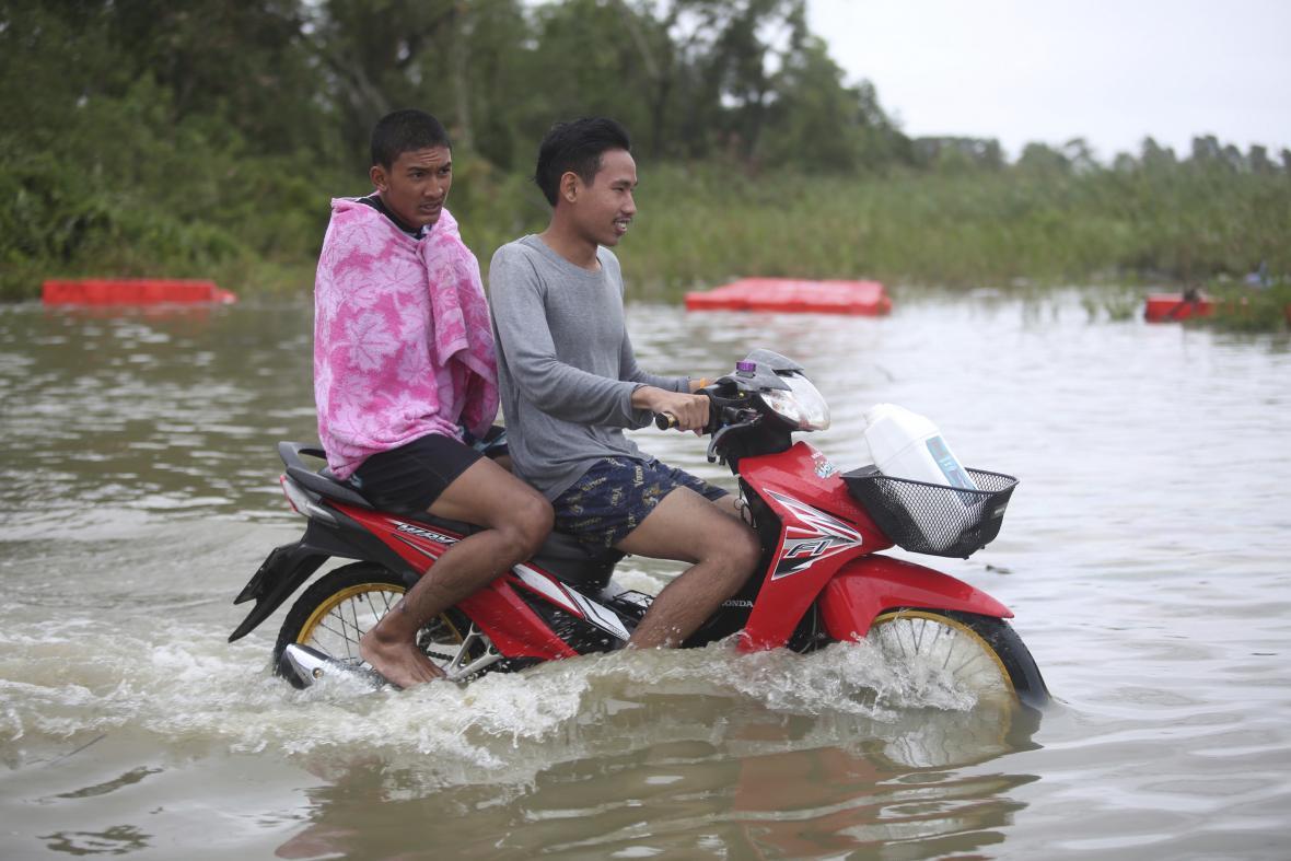 Následky tropické bouře Pabuk