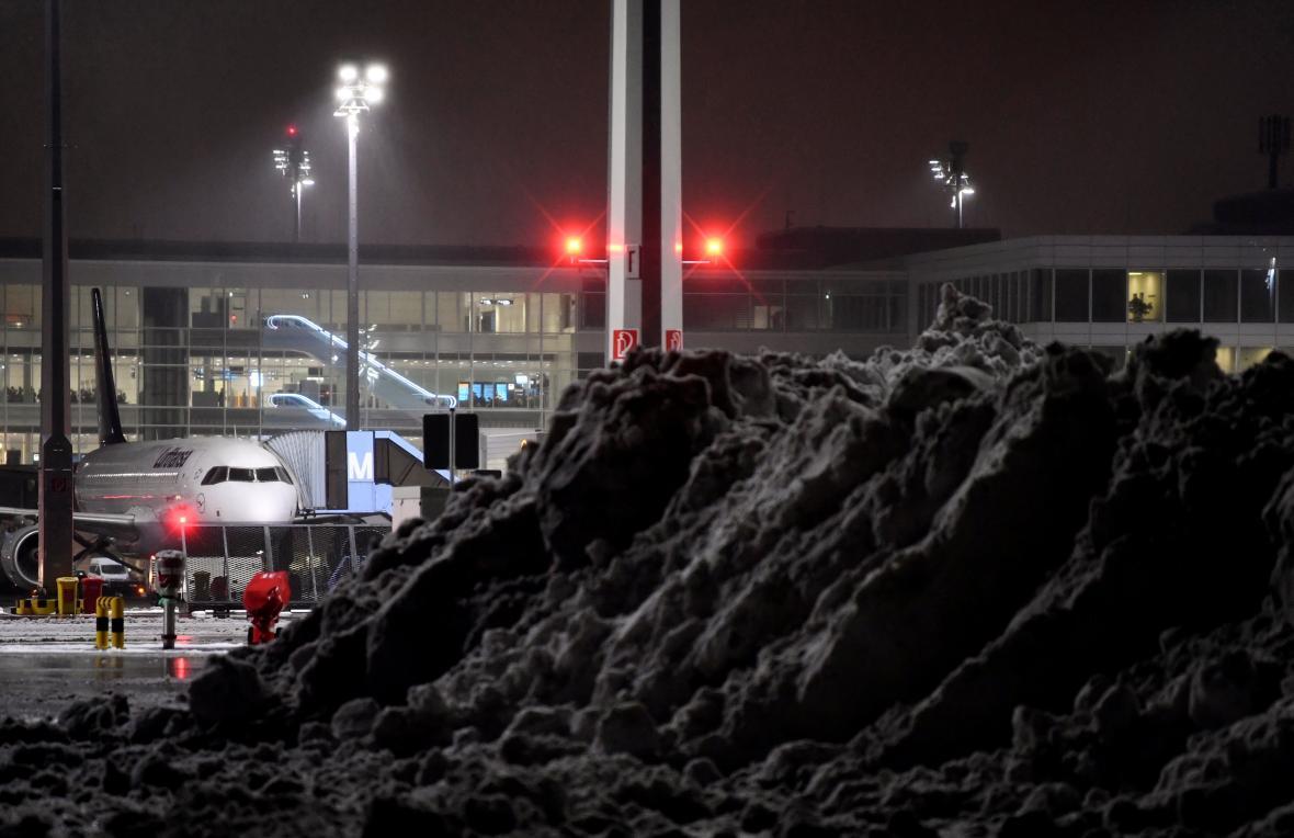Sníh na mnichovském letišti