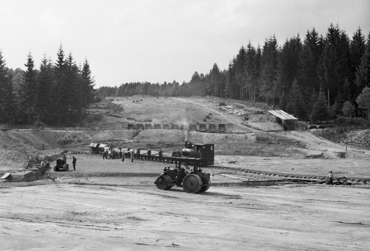 Stavba československé dálnice