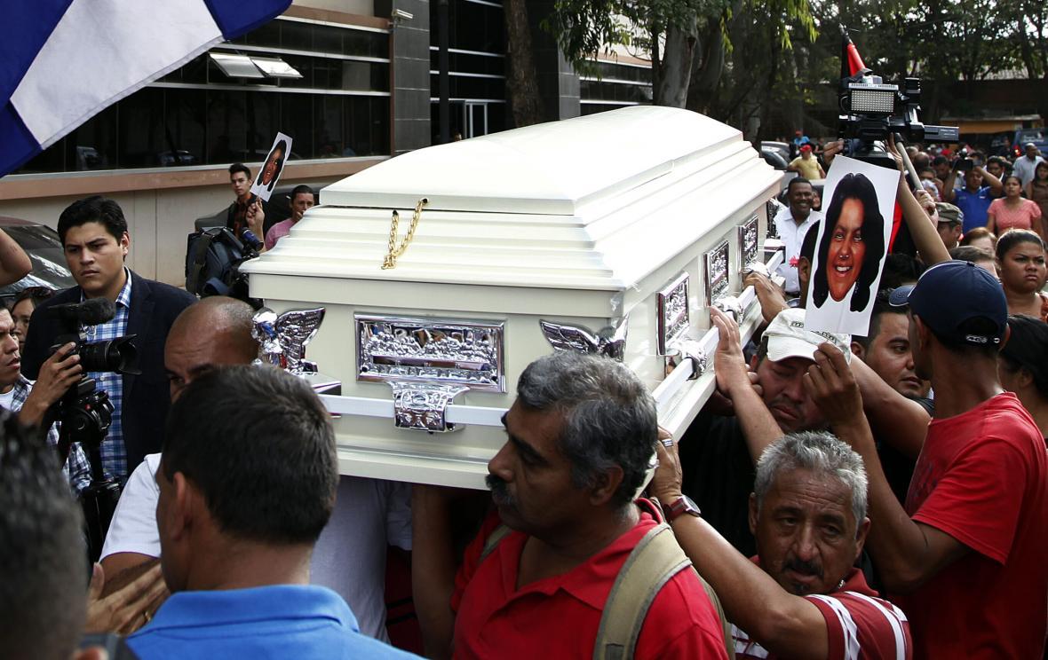 Pohřeb ekologické aktivistky v Hondurasu