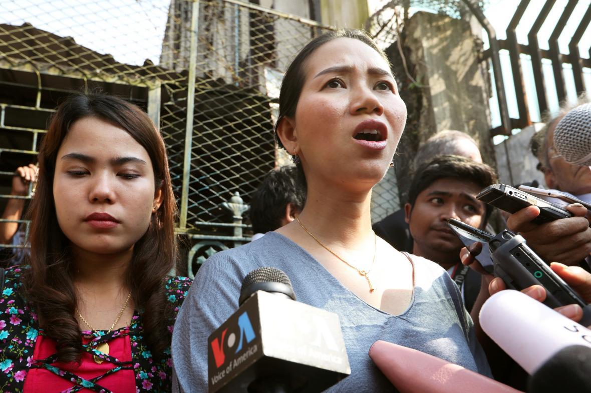 Manželky zadržených novinářů