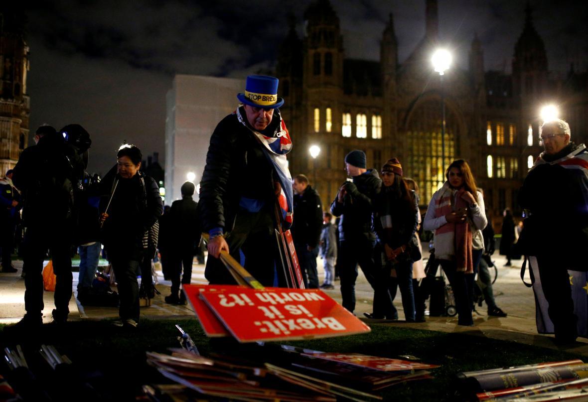 Jeden z protestujících proti brexitu