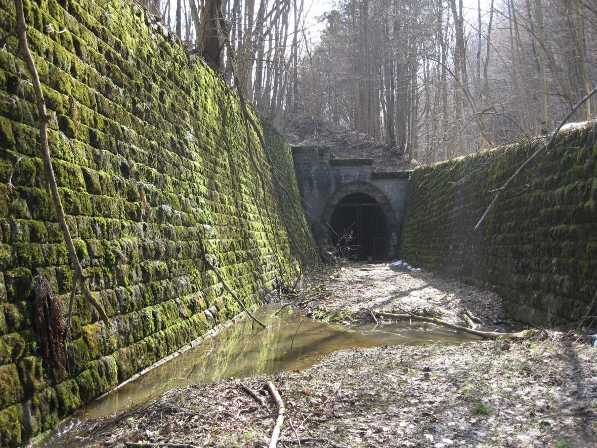 Tunel na Gemerských spojkách