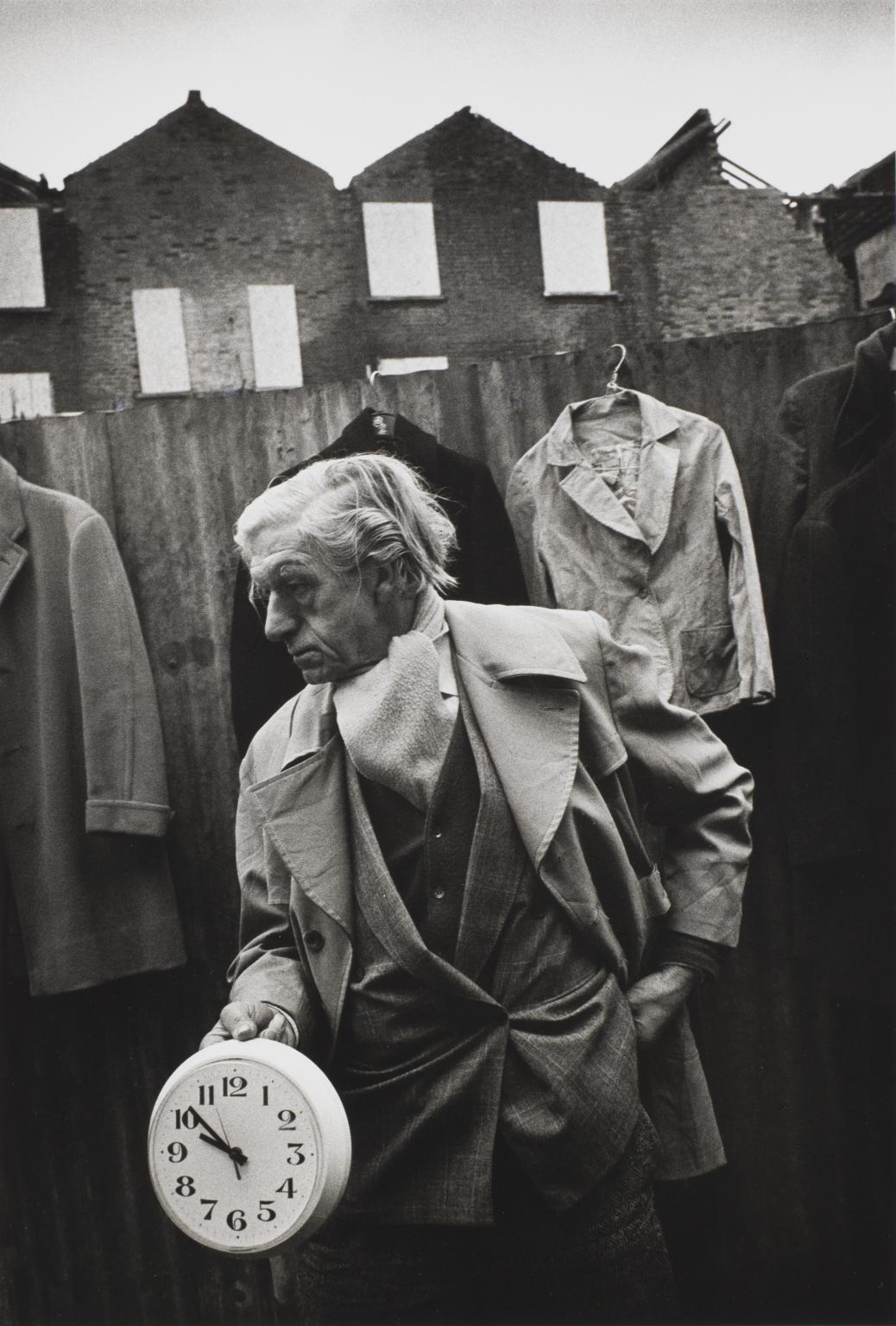 Edward s hodinami, Cheshire Street Market, Londýn, 1983