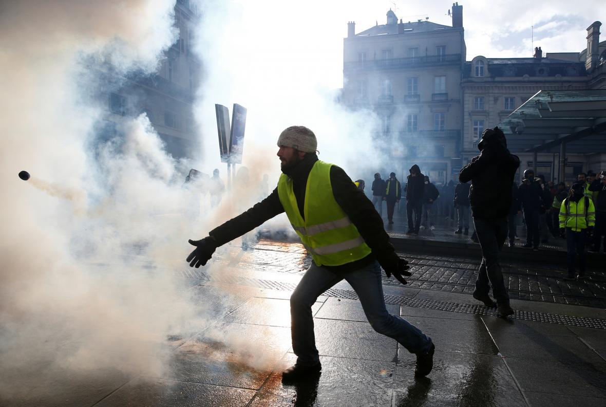 Protesty žlutých vest ve městě Angers