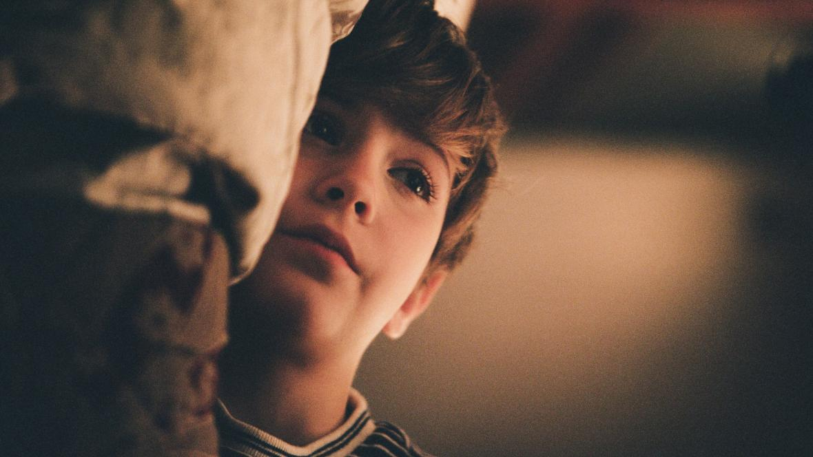 Jacob Tremblay ve filmu Smrt a život Johna F. Donovana