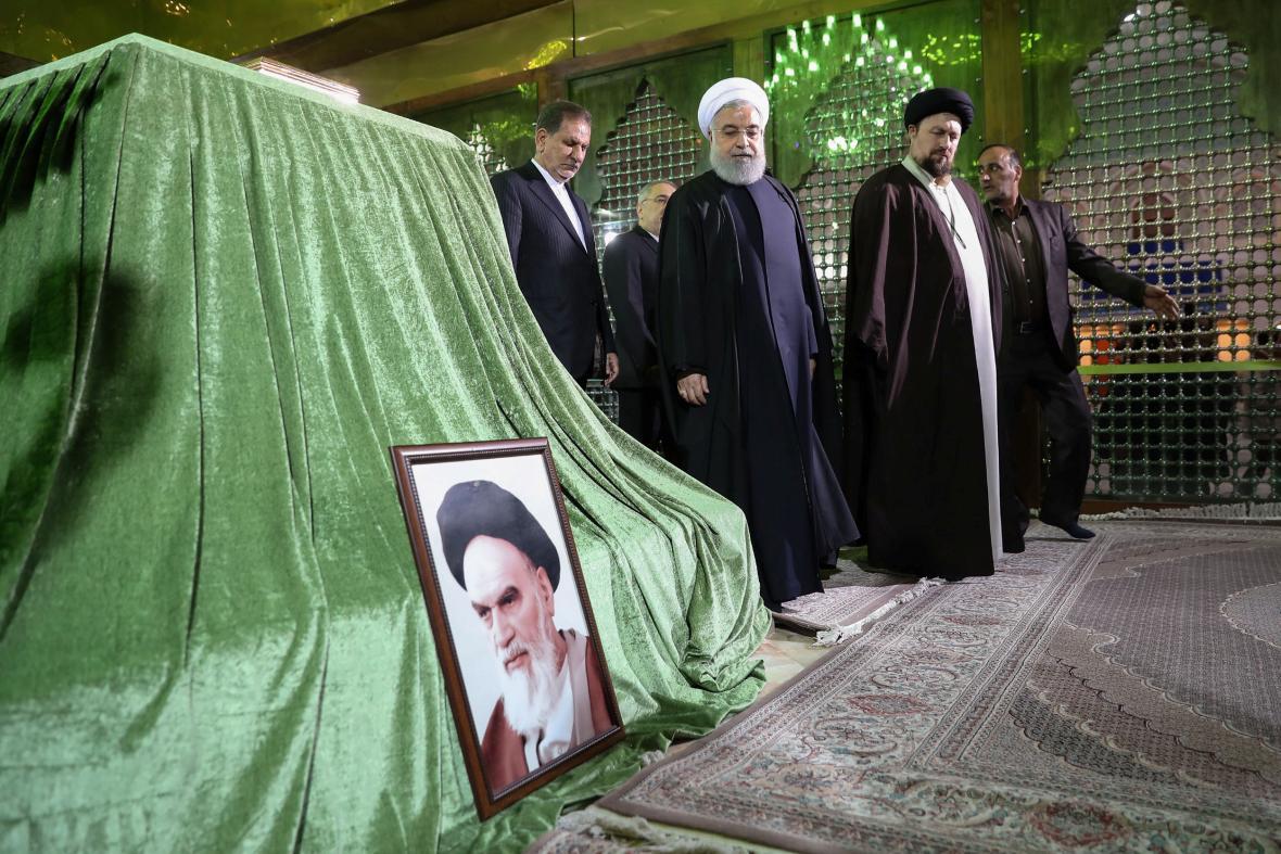 Prezident Rouhaní u hrobu ajatolláha Chomejního