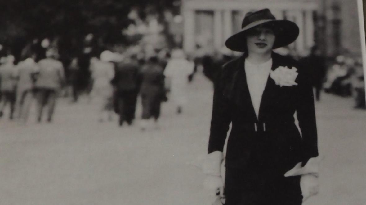 Maminka Petera Demetze v roce 1936