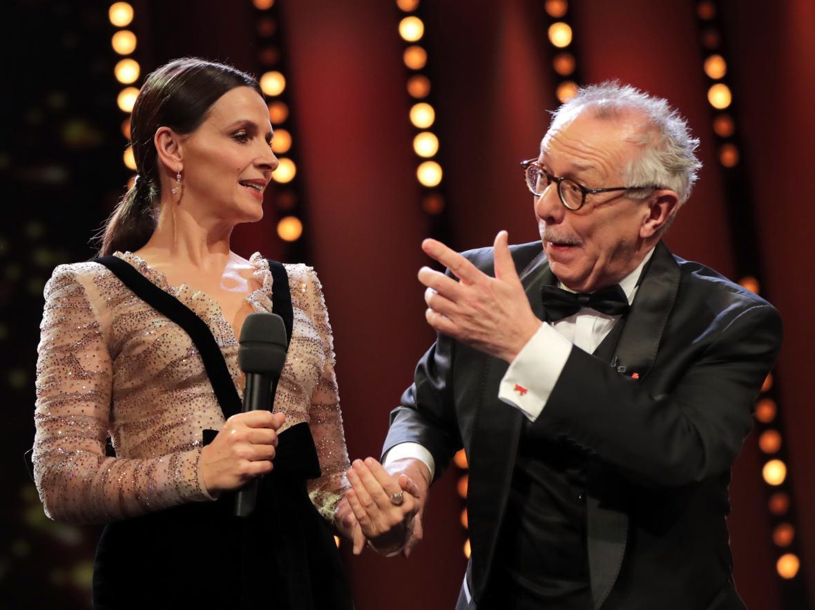 Juliette Binocheová a Dieter Kosslick