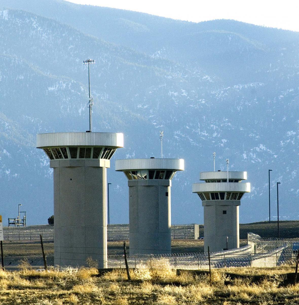 Strážní věže ve věznici Supermax