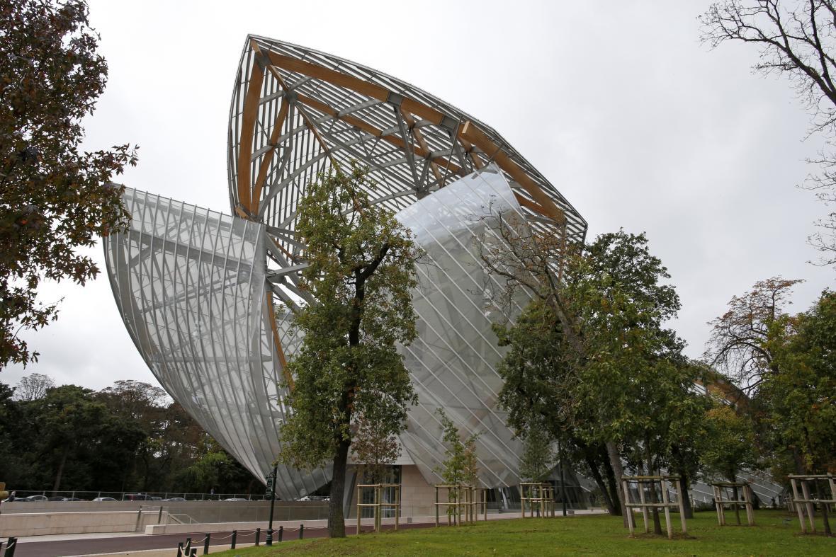 Budova nadace Louise Vuittona v Paříži