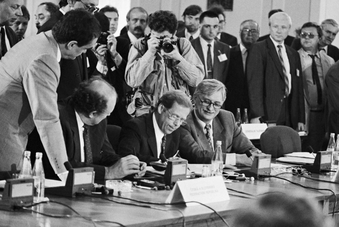Poslední zasedání Politického výboru Varšavské smlouvy zahájil 1. července 1991 v Praze prezident Václav Havel
