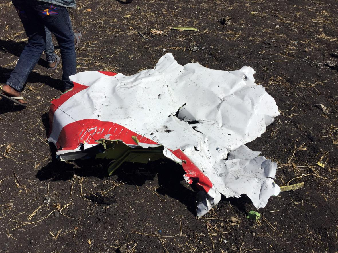 Část shořelého etiopského letadla