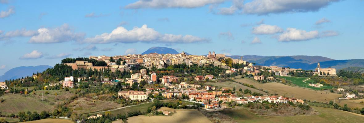 Panoramatický pohled na Camerino