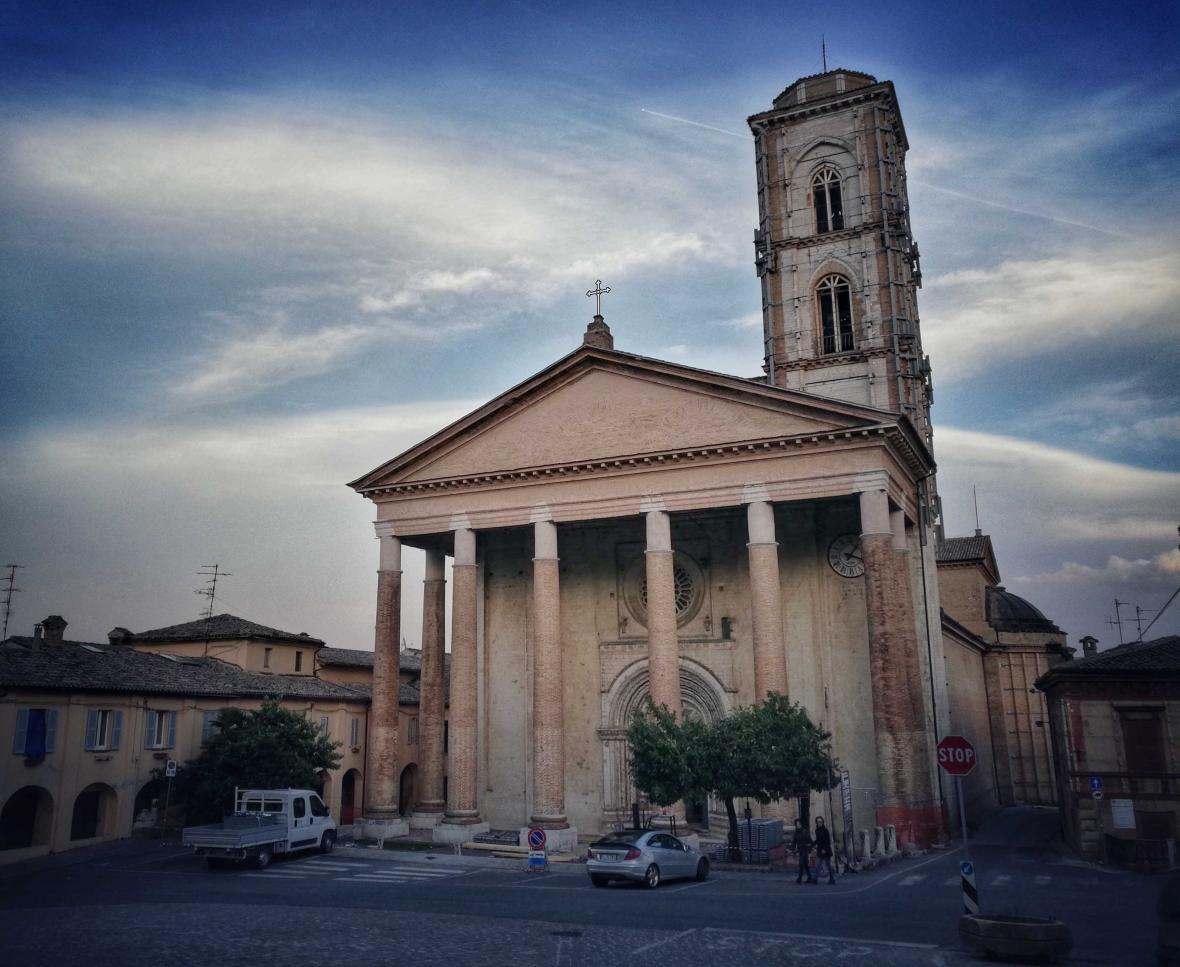 Bazilika svatého Venanzia, patrona Camerina.