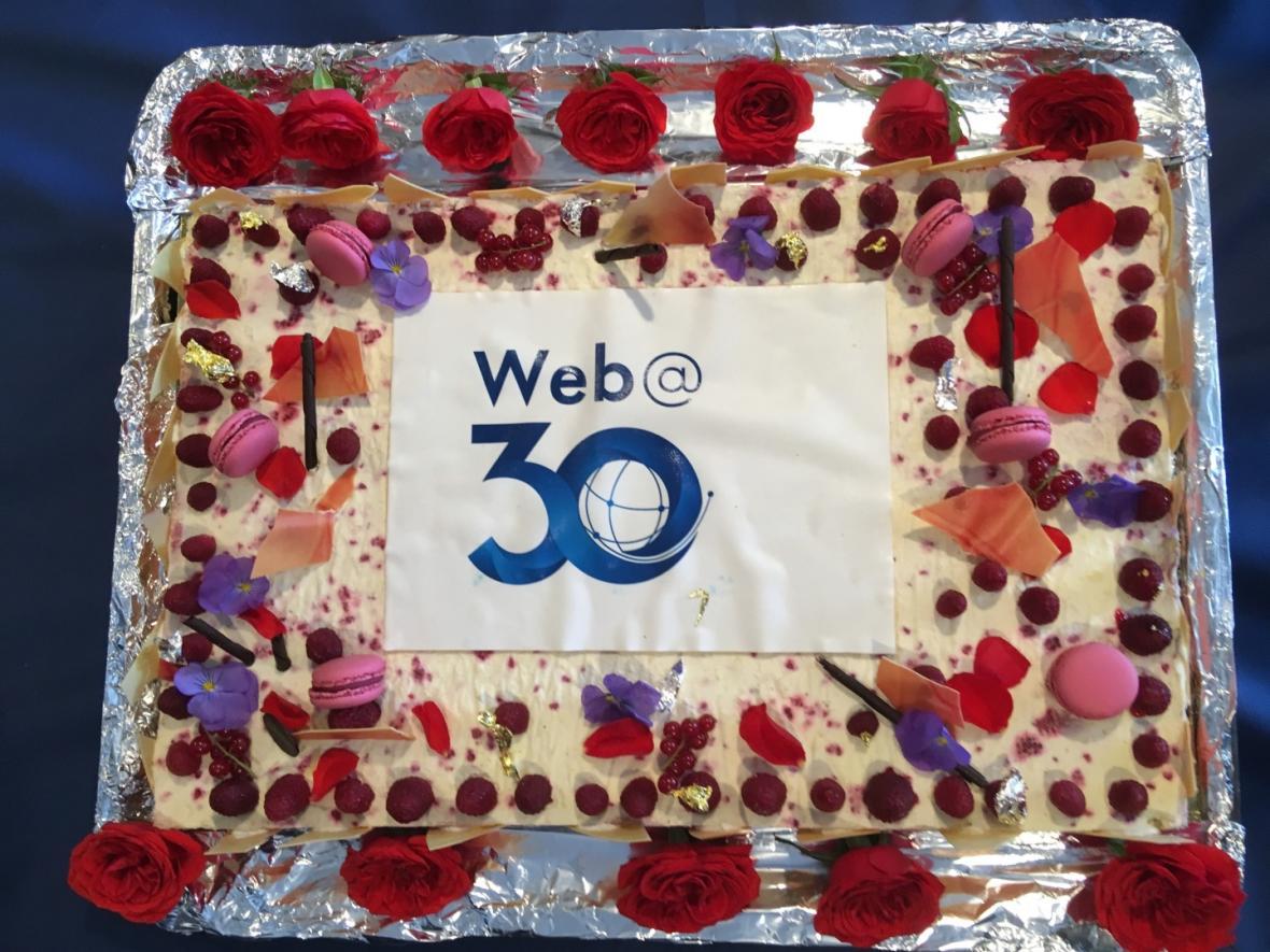 Dort, který si dali v CERNu jako dárek k výročí