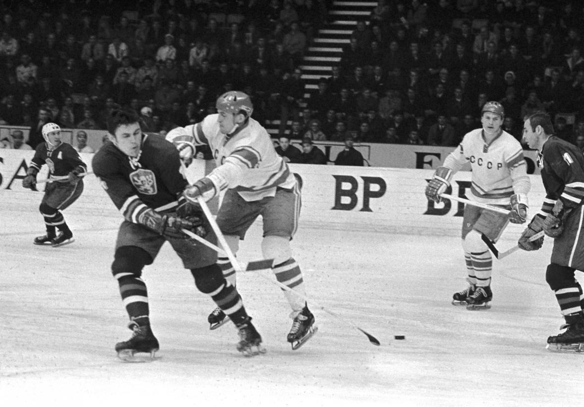 Slavný hokejový souboj ČSSR - SSSR na MS ve Stockholmu 1969