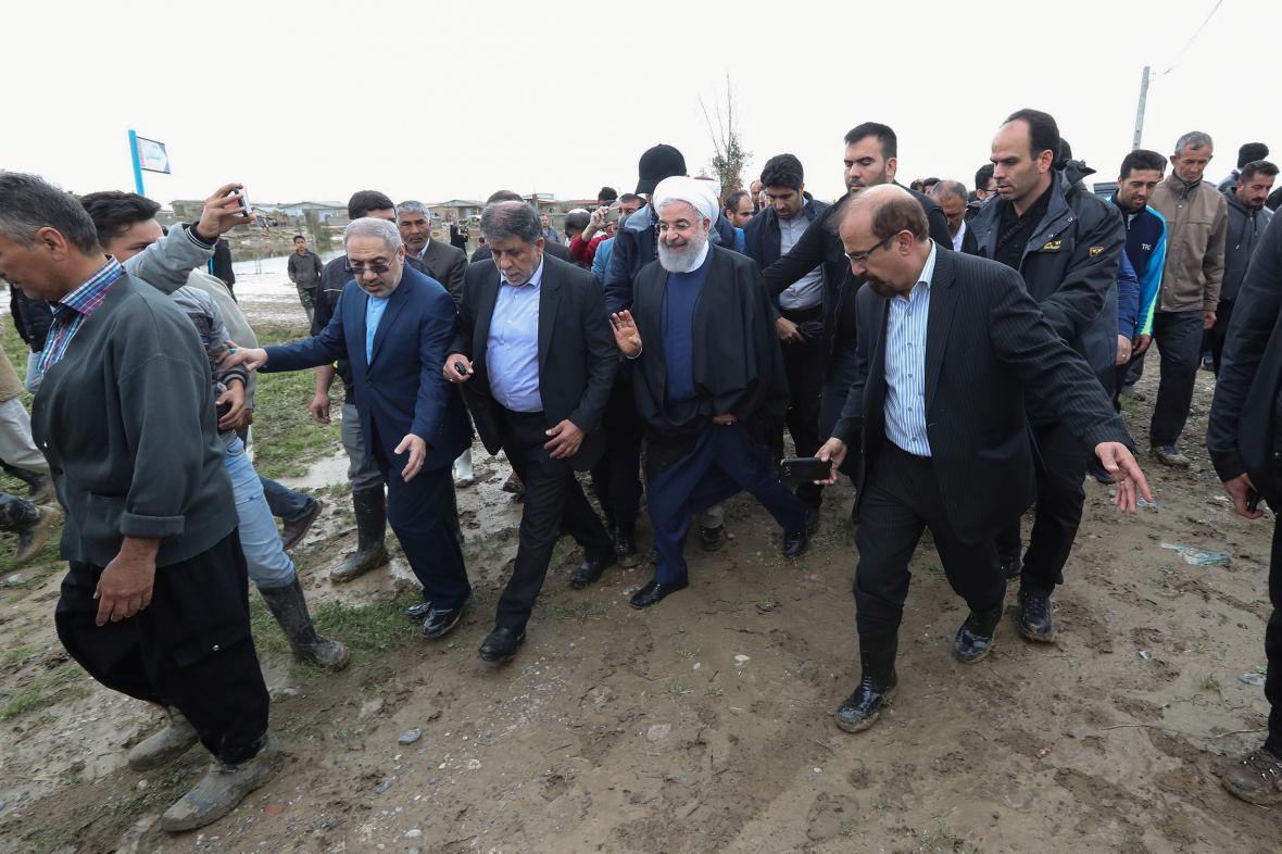 Íránský prezident Hasan Rouhání na návštěvě zasažené provincie Golestán