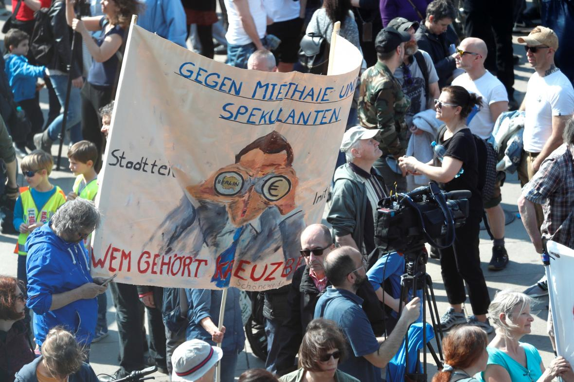 Demonstrace proti růstu cen nájmů v Berlíně