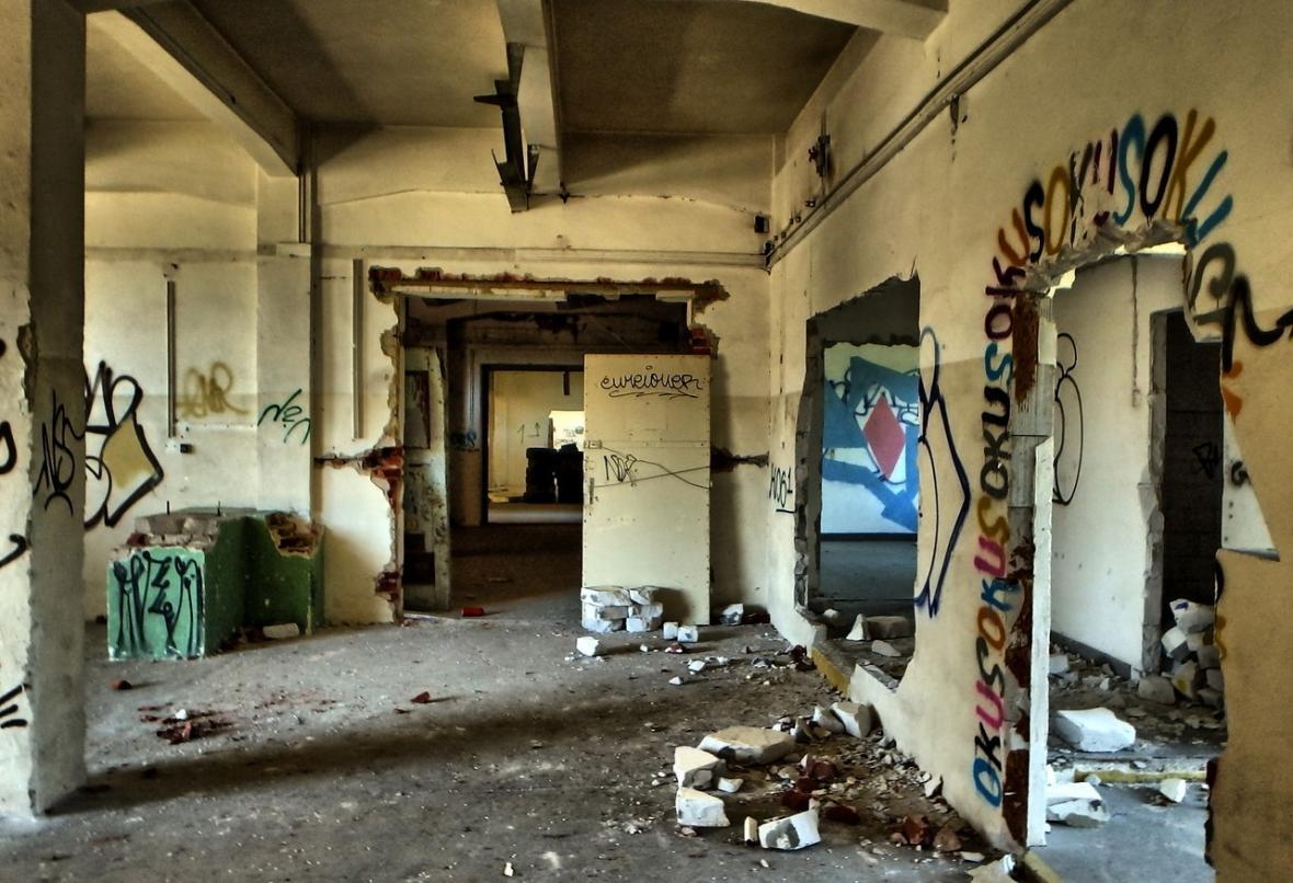 Sklady jsou už léta terčem vandalů i bezdomovců