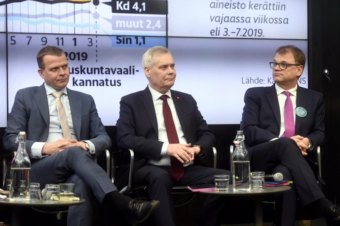 Volební debata v Helsinkách. Zleva: Petteri Orpo, Antti Rinne, Juha Sipila