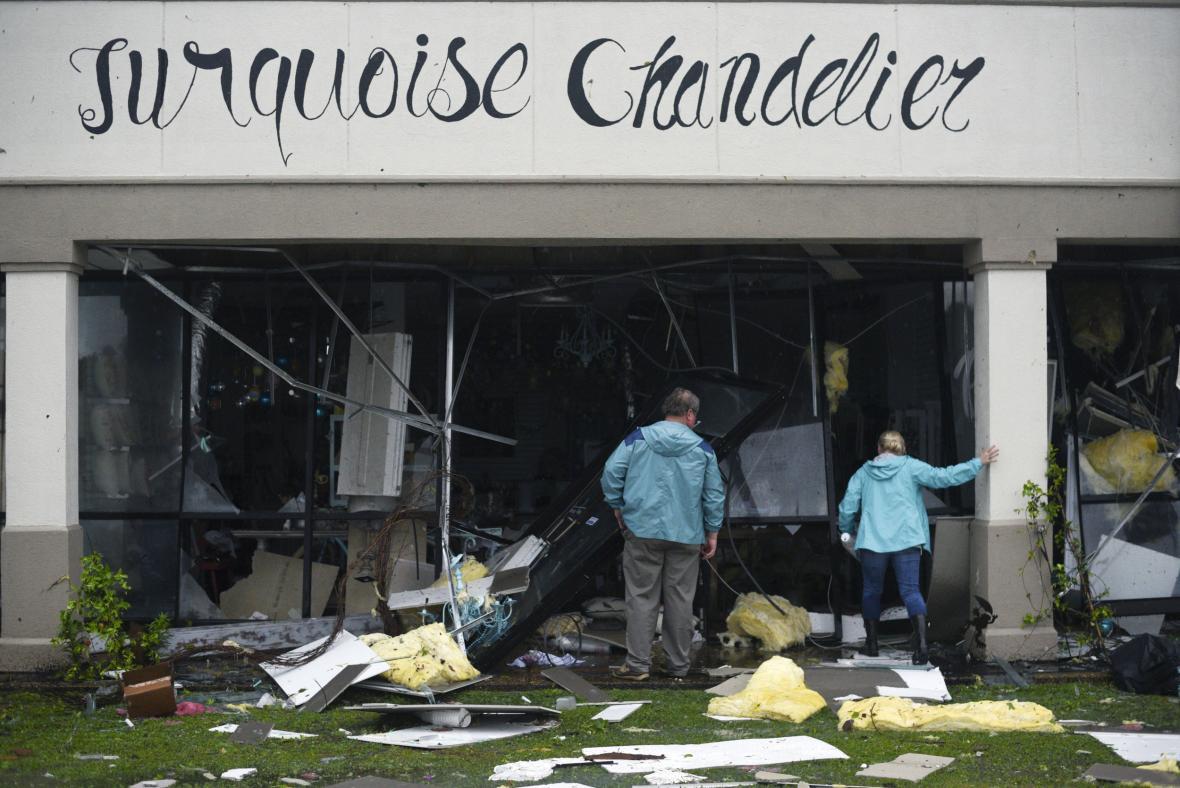 Poničená budova v americkém Vicksburgu