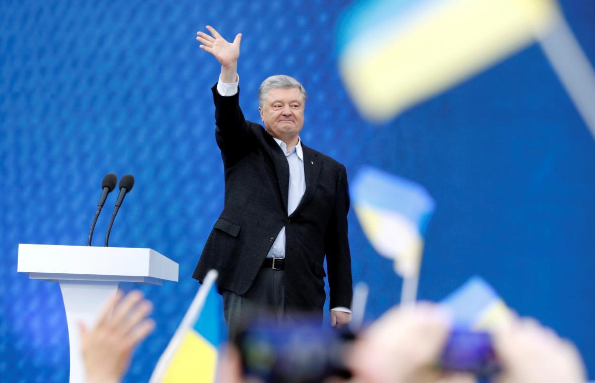 Petro Porošenko na kyjevském stadionu