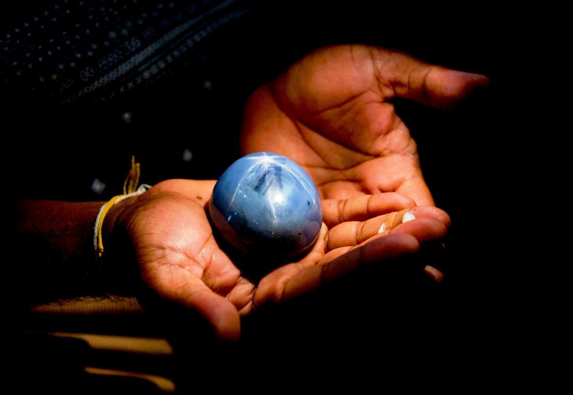 Modrý safír ze Srí Lanky