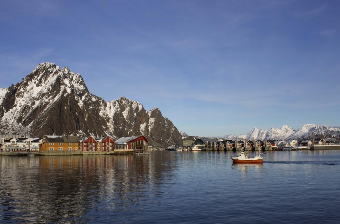 Obec Svolvaer v norském souostroví Lofoty