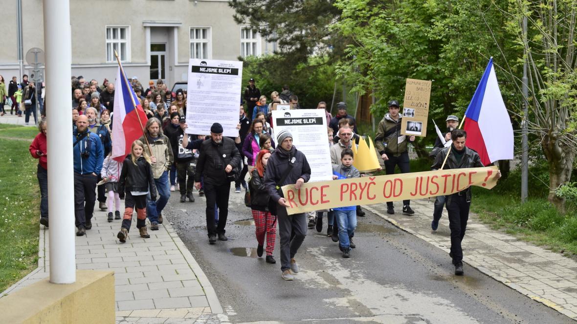 Centrem Olomouce prošel pochod za nezávislou justici