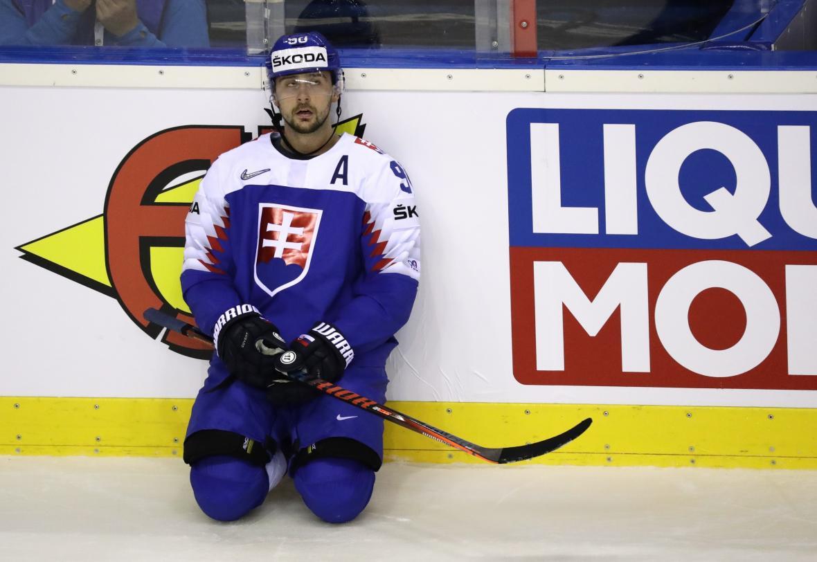Slovenští hokejisté nakonec nastoupili na šampionátu v dresech se státním znakem