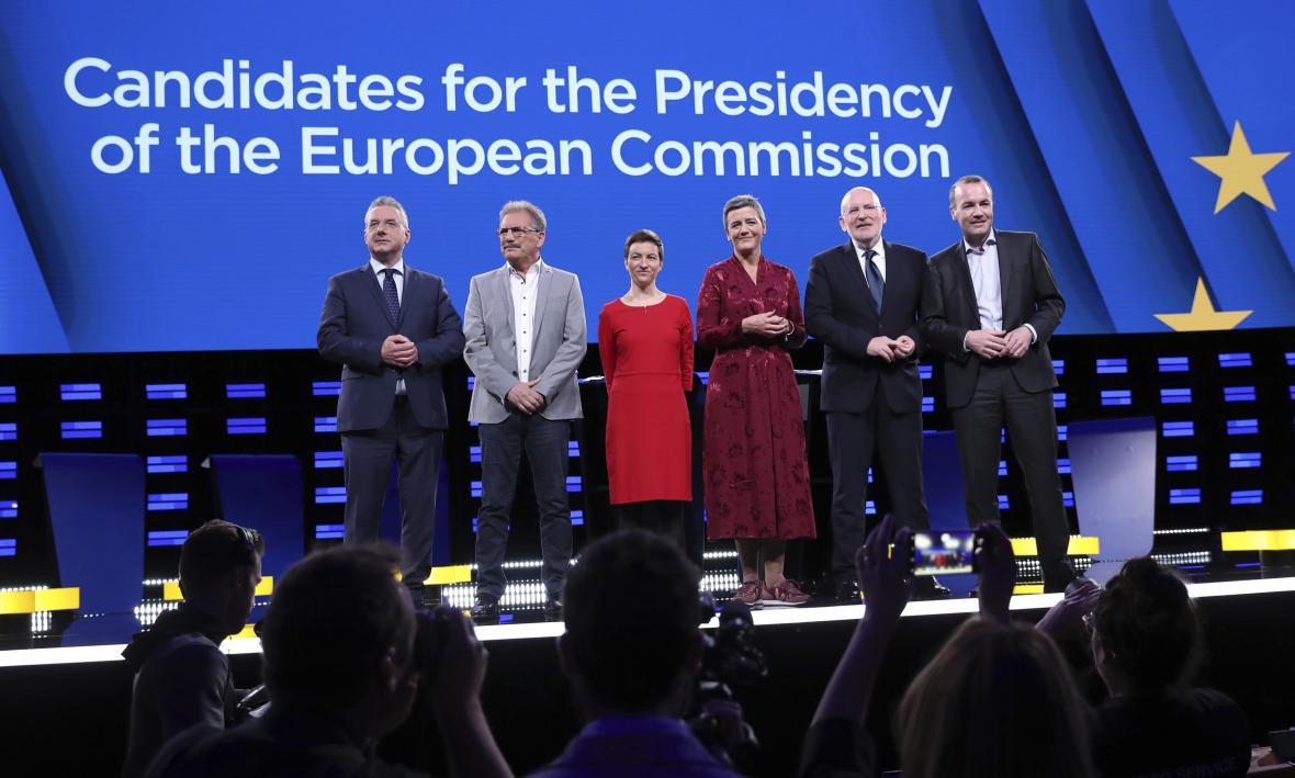 Jan Zahradil, Nico Cué, Franziska Kellerová, Margarethe Vestagerová, Frans Timmermans a Manfred Weber