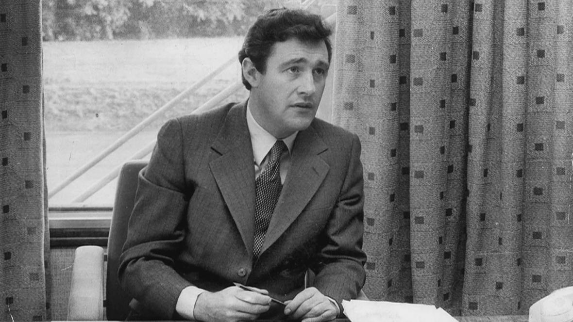 Geoffrey Robinson na archivním snímku