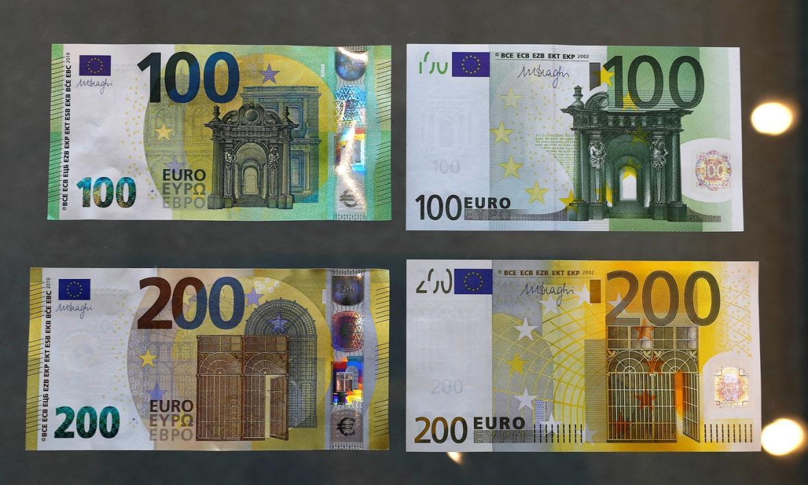 Nové bankovky (vlevo) 100 a 200 eur ve srovnání se starými.