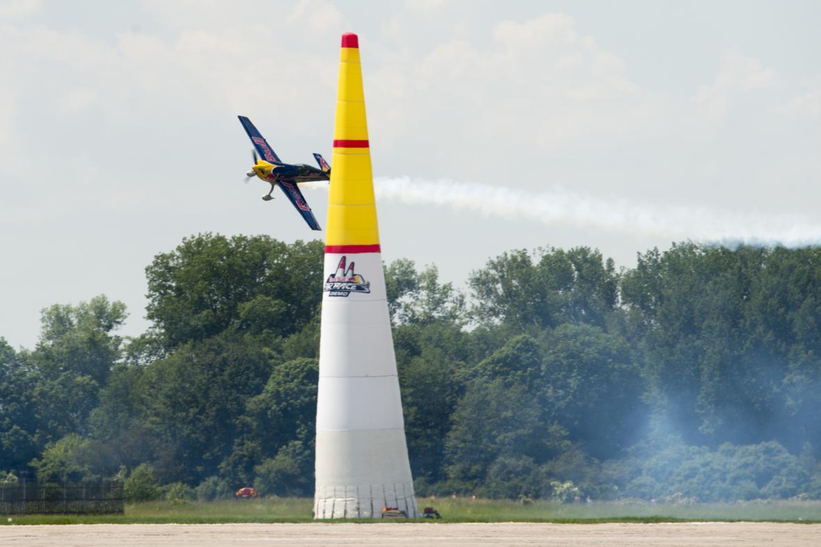Red Bull Air Race Demo, pilot Martin Šonka se svým strojem