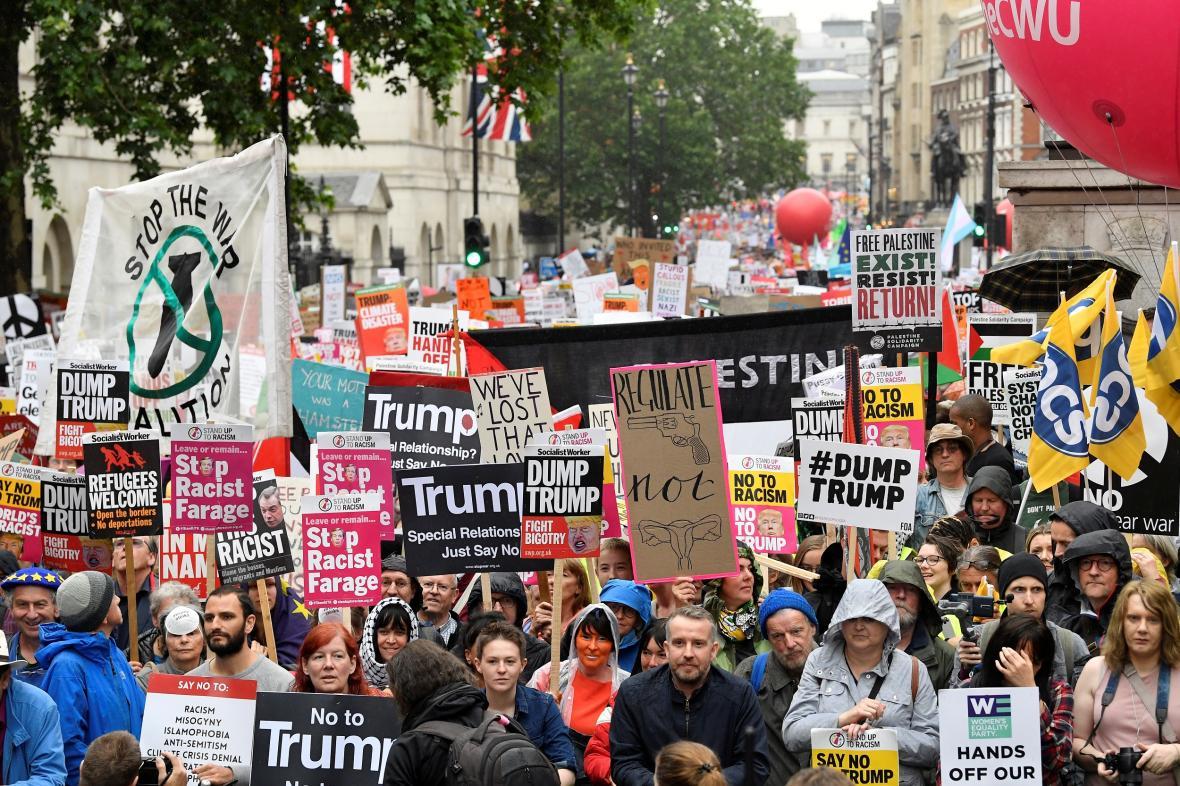 Protest proti návštěvě Donalda Trumpa v Británii