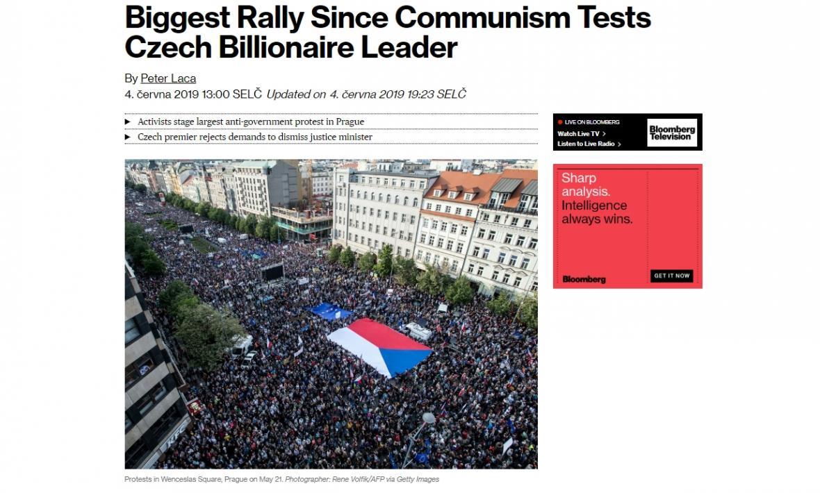 agentura Bloomberg informuje o pražské demonstraci