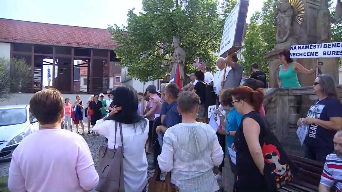 Protest v Klášterci nad Ohří