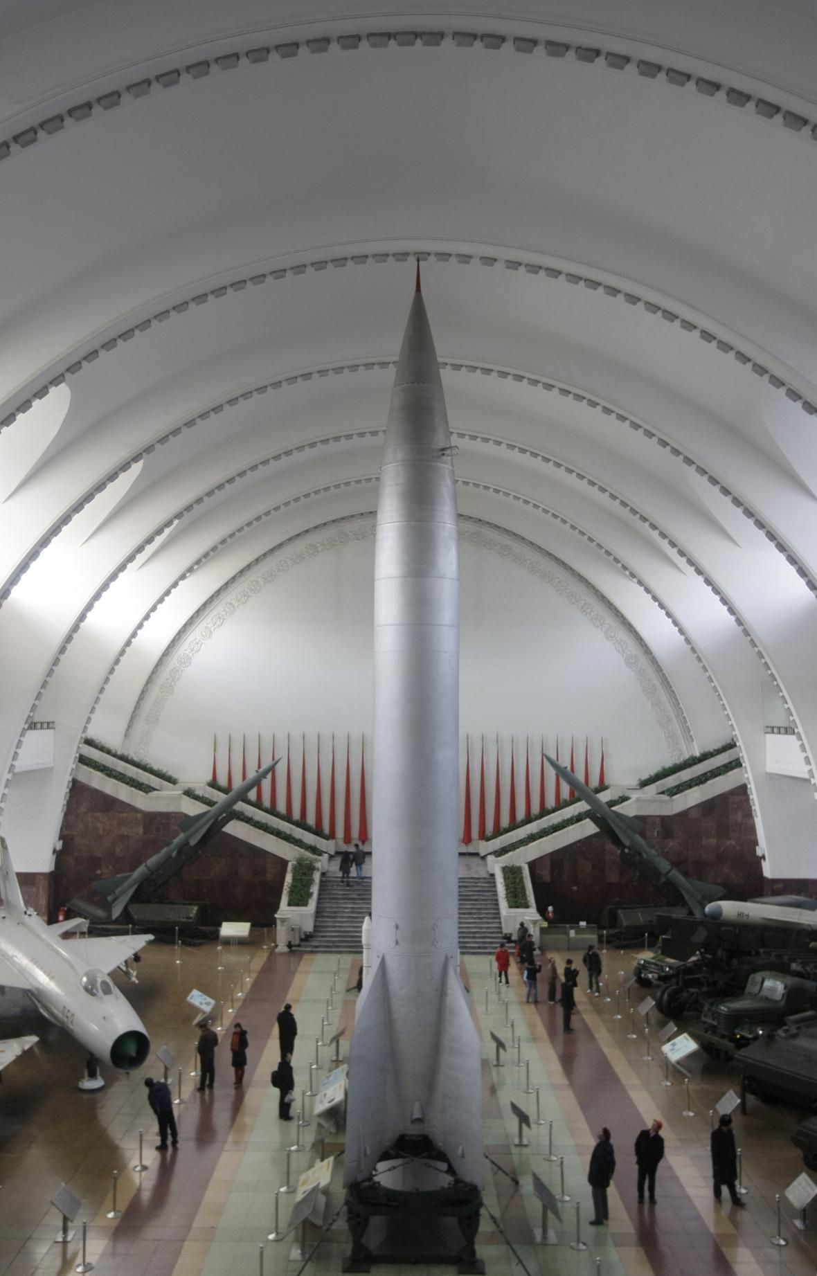 Raketa Dong Feng 1 v čínském vojenském muzeu