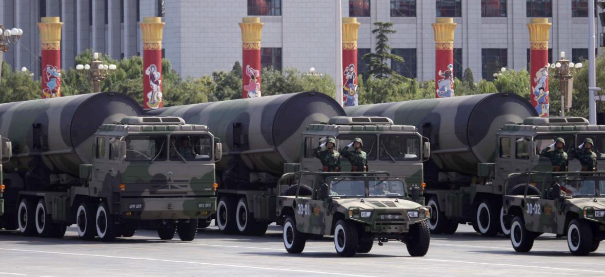 Rakety Dong Feng na vojenské přehlídce v Pekingu v roce 2009