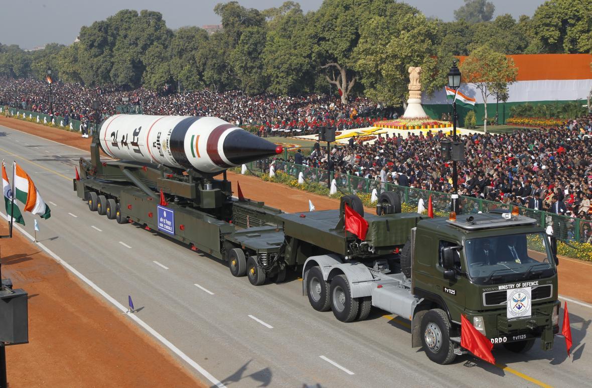 Raketa Agni V na přehlídce v roce 2013