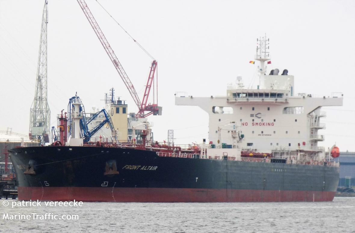 Ropný tanker MT Front Altair
