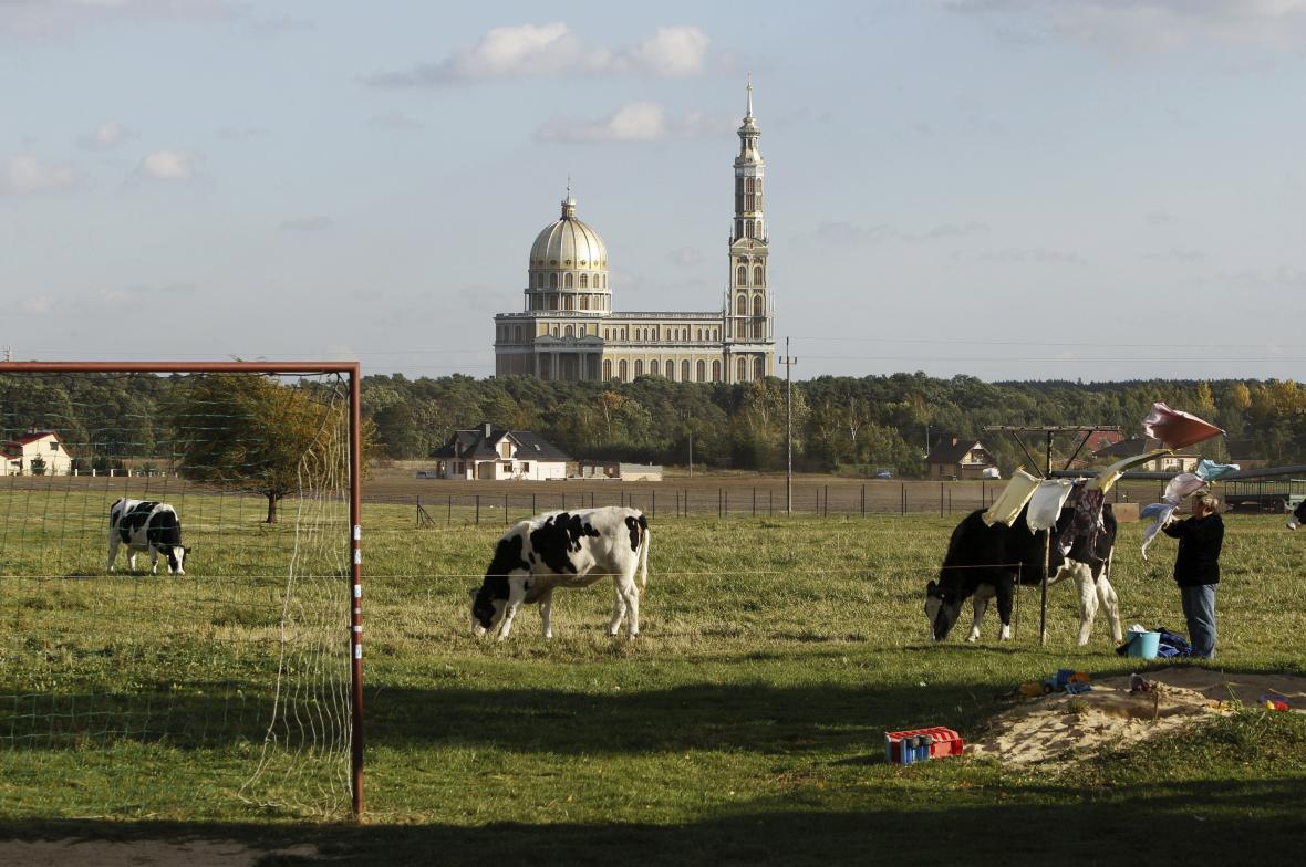 Bazilika Matky Boží Bolestné Královny Polska ve vesnici Lichen