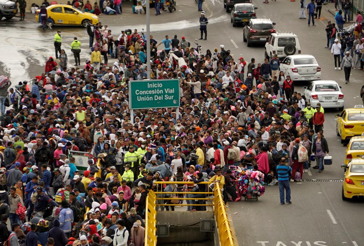 Venezuelští uprchlíci na hranicích mezi Kolumbií a Ekvádorem