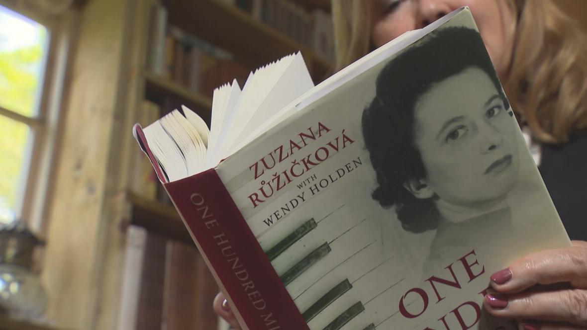 Kniha Wendy Holdenové o Zuzaně Růžičkové